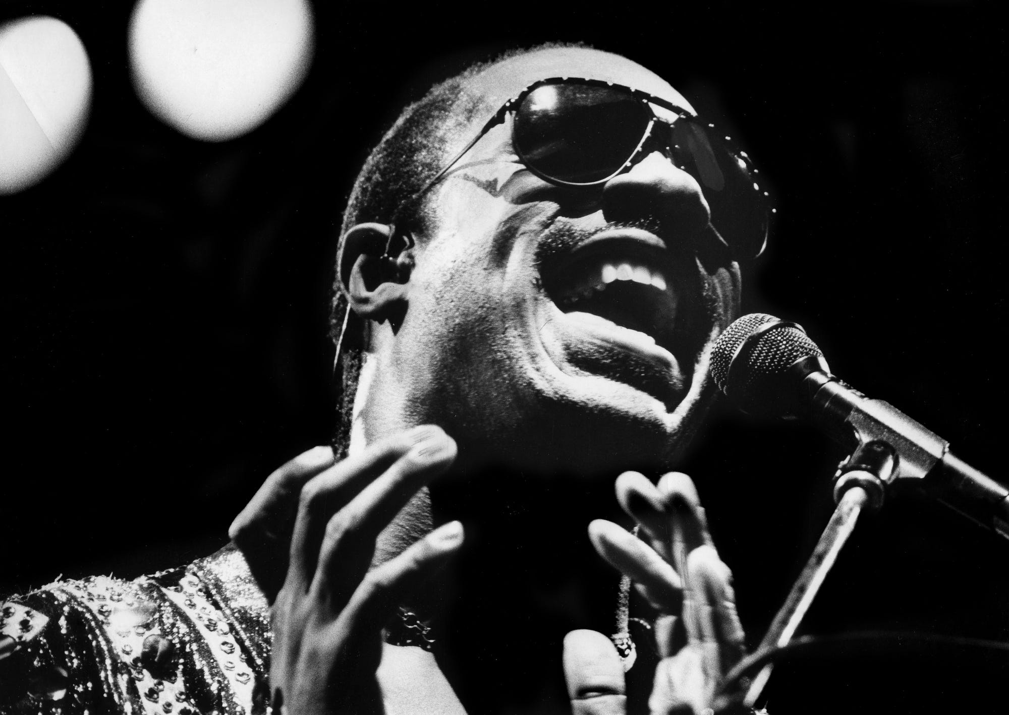 Pop music superstar Stevie Wonder is delivering a stunning all-out performance in his marathon two-part concert before more than 10,000 fans at Middle Tennessee State University's Murphy Center in Murfreesboro Sept. 14, 1986.