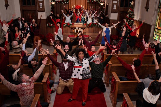 """Jennifer Lewis and the company of """"Dolly Parton's Christmas on the Square."""""""