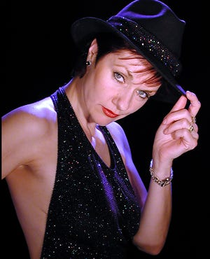 "Entertainer Toni Morrell will provide the show ""Now thatz an entertainer"" Nov. 21-22 at the Ohio Theatre in Loudonville."
