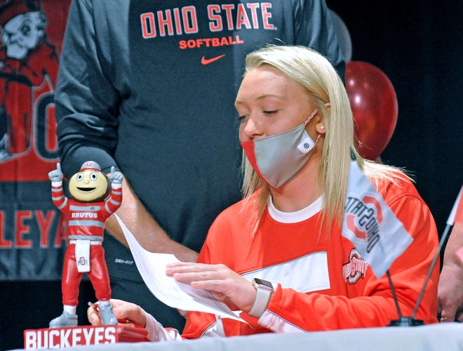 Norwayne Kennedy Kay signs her letter of intent to play softball at Ohio State.