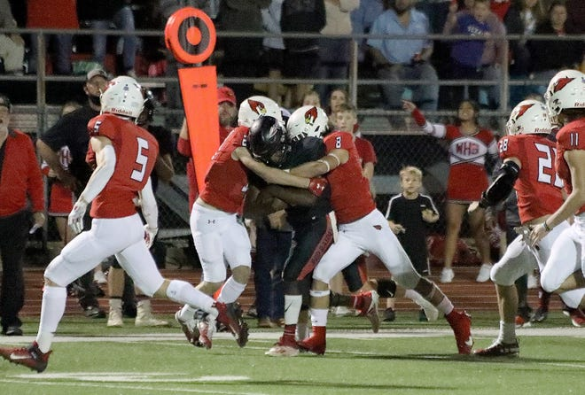 The Pottsboro Cardinals will open the playoffs against White Oak on Friday night at Paris.