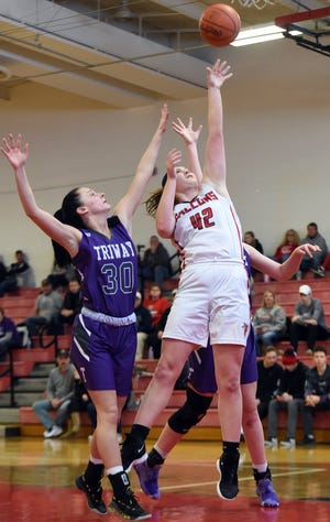 Kaitlyn Feller takes a shot in last year's first-round contest against Triway.