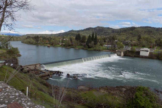 The Winchester Dam in Winchester, Ore., on April 19, 2019. Environmental and fishing groups are suing a small, private water district in southern Oregon over the 130-year-old dam on a pristine stretch of the North Umpqua River.