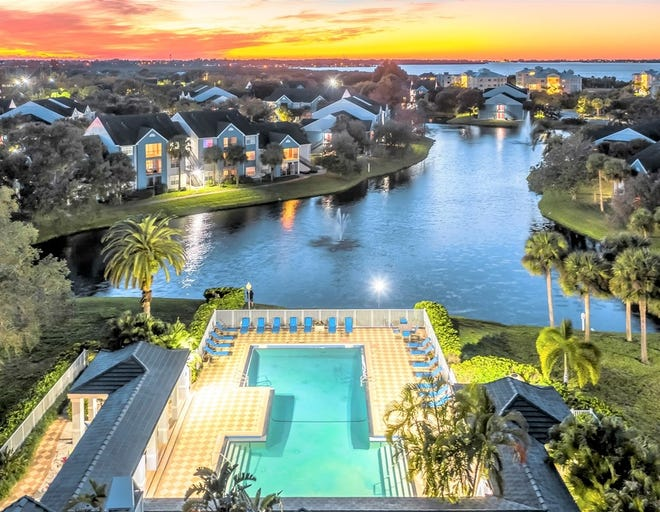 The Vista at Palma Sola in Bradenton is a mix of one-, two- and three-bedroom units ranging from 850 square feet to 1,250 square feet and priced from $1,020 to $1,510 a month.