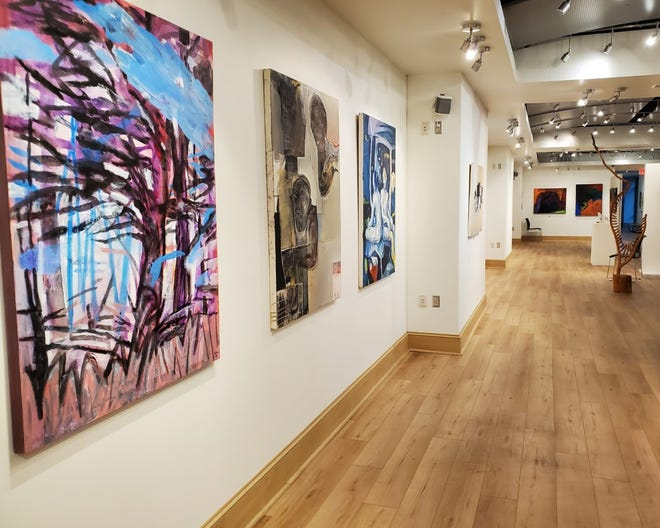 No Boundaries Art Colony will hold a reception Friday, Nov. 13 at the Wilma W. Daniels Gallery.