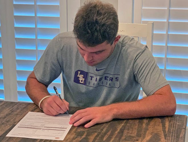 Westbrook Christian pitcher Samuel Dutton signs his NLI with LSU on Wednesday, Nov. 11, 2020.