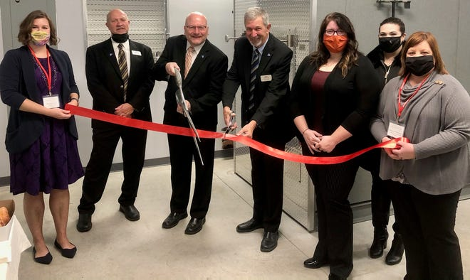 The Sandusky County Chamber of Commerce held a ribbon cutting at Herman Crematorium.