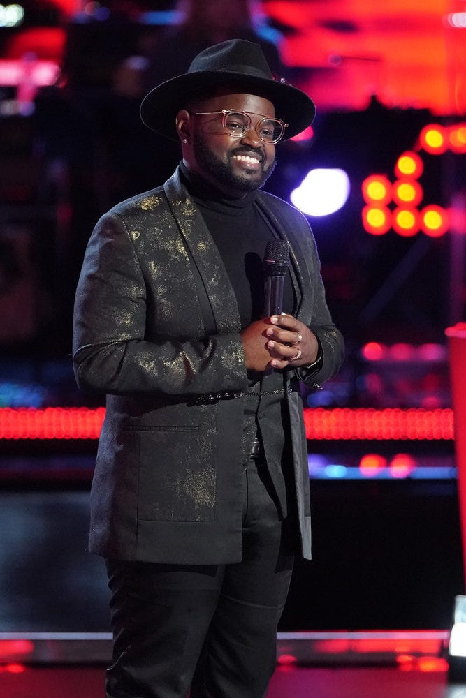 Appleton singer John Holiday soars to a battle round win on  The Voice  with a Stevie Wonder song