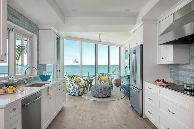Jinx McDonald Interior Designs (JMID) transformed a condo located on the Gulf of Mexico into the owner's custom beach retreat.