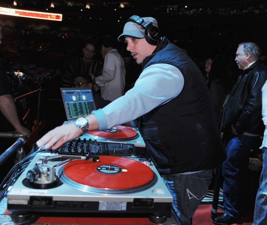DJ Spinbad performed at the Z100 Jingle Ball 2008 in Madison Square Garden, New York on December 12, 2008. Spinbad's real name is Chris Sullivan (Chris Sullivan) and he was 46 years old.