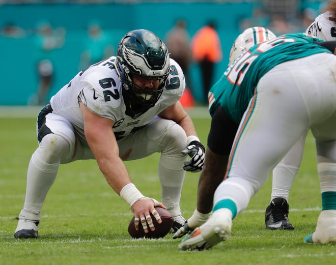 Eagles center Jason Kelce prepares to snap the ball.