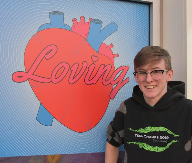 A loving heart is the theme of Grayson Philbrick's art on display at The Ridge marketplace.