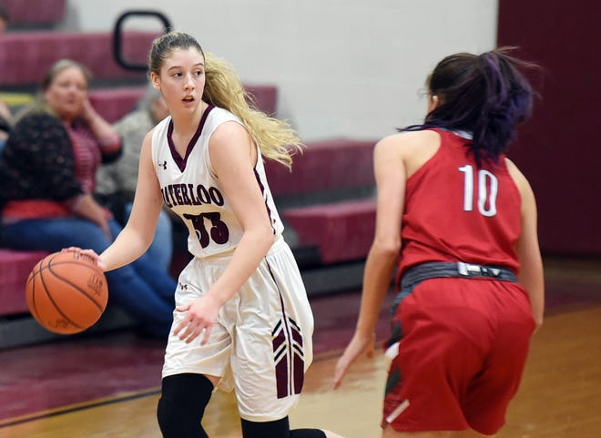 Brooke Waldeck dribbles against Crestwood last year.