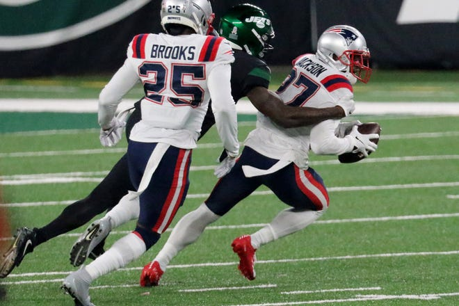 Patriots defensive back J.C. Jackson rebounded from earlier struggles with a key fourth-quarter interception against the Jets.