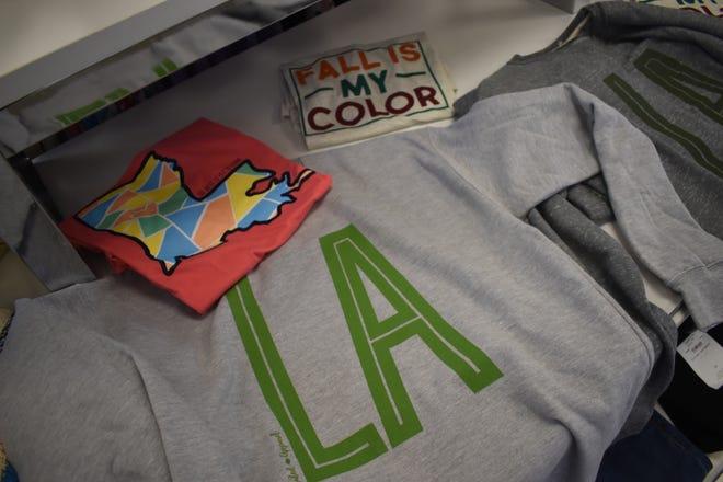 Aspen Bleu hascustom T-shirts and sweatshirts that are only soldat Aspen Bleu.