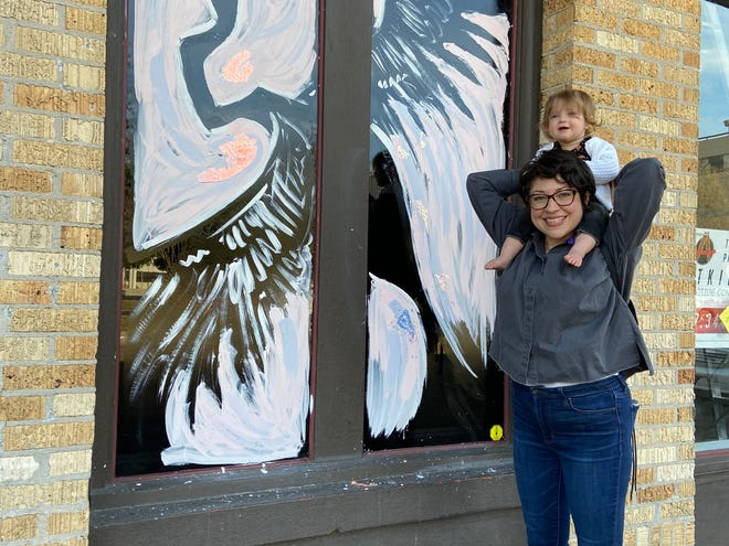 Downtown Lafayette S Window Wonderland Planned Artists Sought