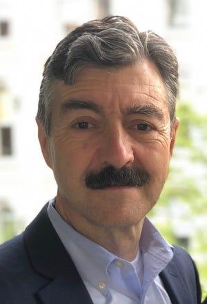 Robert Sheehan