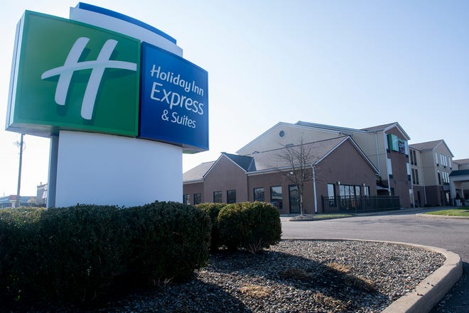 Holiday Inn Express and Suites, Streetsboro.