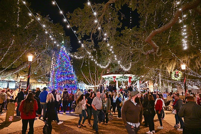 St Augustine Christmas Lights Tour 2021 St Augustine S Nights Of Lights Signals We Re Back We Re Fine
