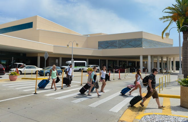 Sarasota-Bradenton International Airport is bringing back all of its amenities in time for the holiday season, despite the ongoing COVID-19 pandemic.