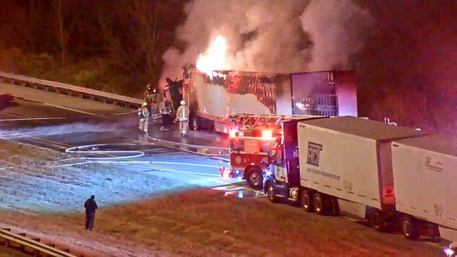 One lane of traffic on northbound Interstate-71 near the Interstate-75 split in Boone County has reopened after all lanes were closed this morning because of a truck fire.