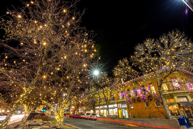 he Downtown Holiday Lights are illuminating Old Town now through February 14, 2021.