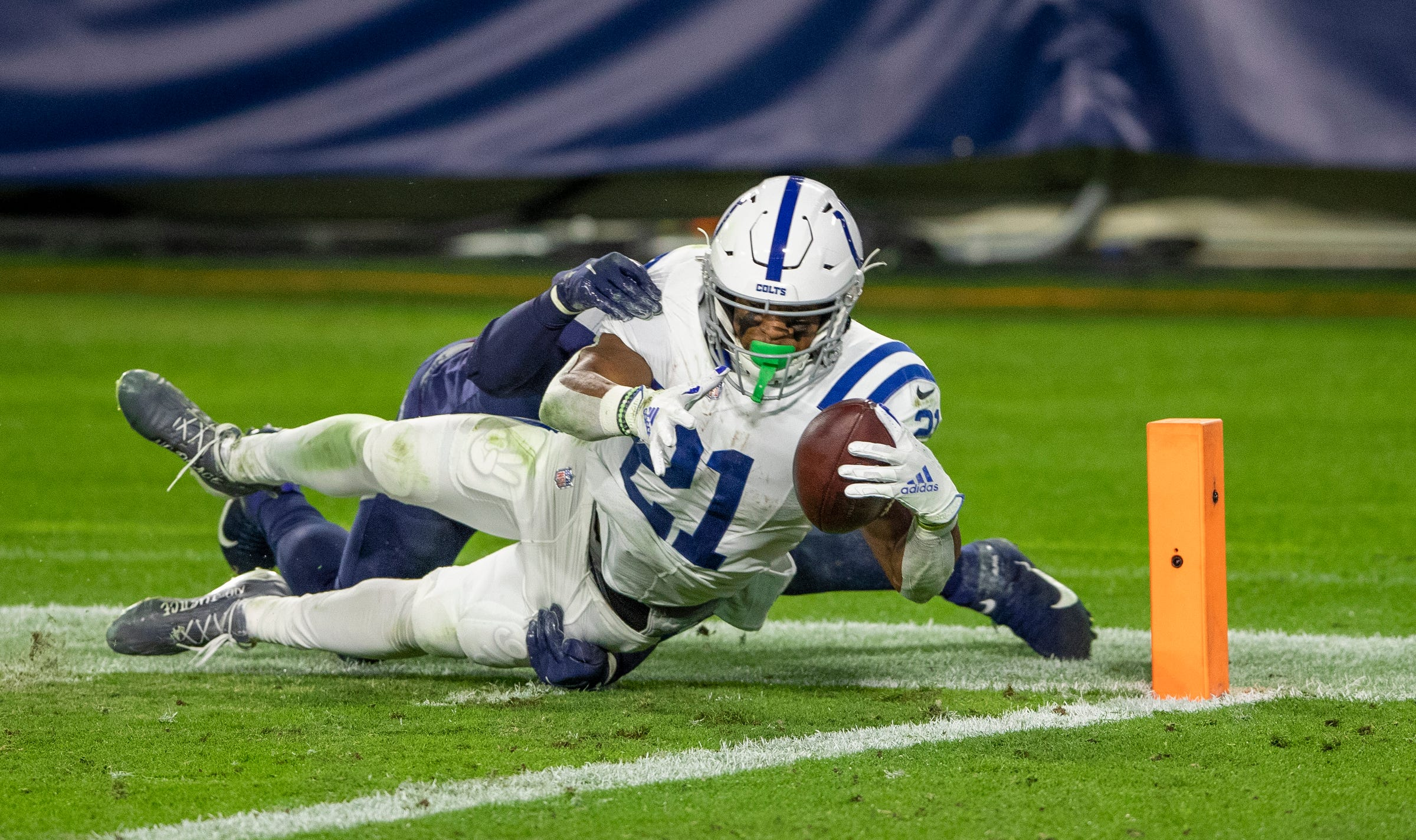 Indianapolis Colts break away from Tennessee Titans, force tie atop AFC South