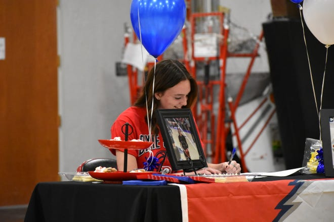 Pine View's Averi Papa signed with Dixie State in a small and distanced ceremony Wednesday, Nov. 11.