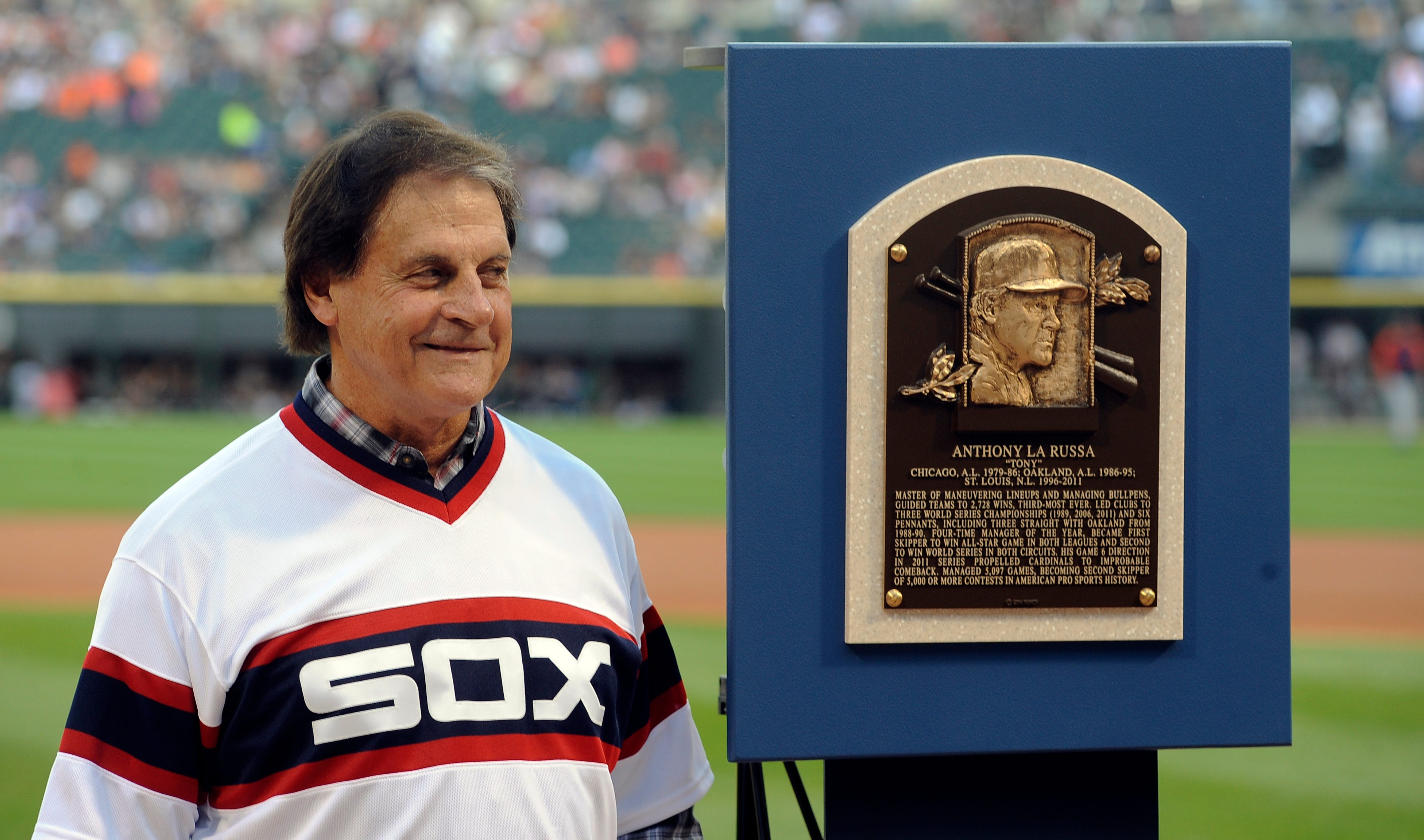 Chicago White Sox 'understand the seriousness' of manager Tony La Russa's DUI charges