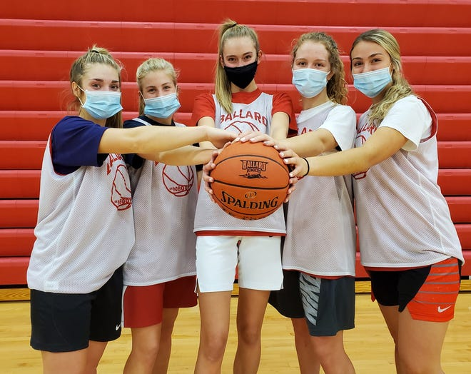 Seniors (L to R) Molly Ihle, Josie Fleischmann, Cassidy Thompson, Sydney Briggs and Ashley Wuestenberg are ready to lead the Ballard girls' basketball team back to state and contend for a Class 4A championship in 2020-2021.