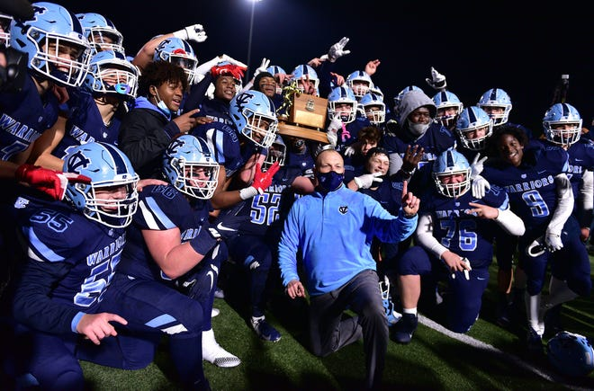 To no surprise, Central Valley dominated the 3A Northwestern Six Conference all-star team. Eleven Warriors were named either first-team offense or first-team defense including Myles Walker, Offensive Player of the Year, Sean FitzSimmons, Offensive Lineman of the Year and Defensive Lineman of the Year, and Stephon Hall, Defensive Player of the Year.