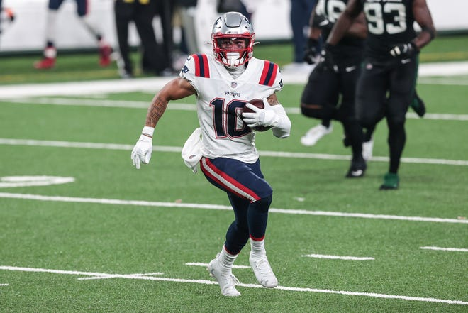 Patriots wide receiver Damiere Byrd sprints for some yardage after the catch during Monday night's game against the Jets.