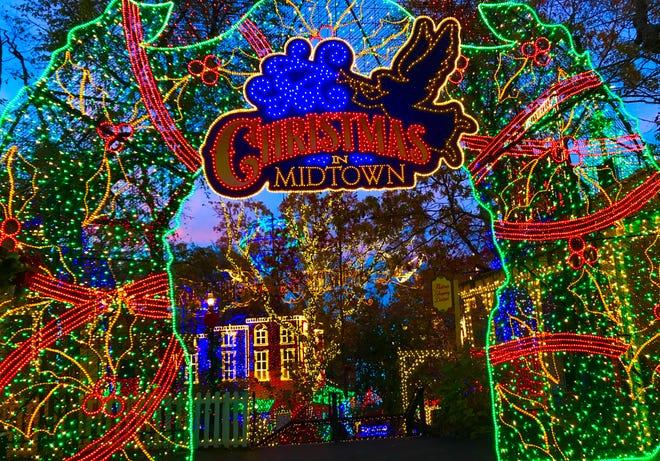 Ada lebih dari 6,5 juta lampu yang dipamerkan di Silver Dollar City untuk An Old Time Christmas.