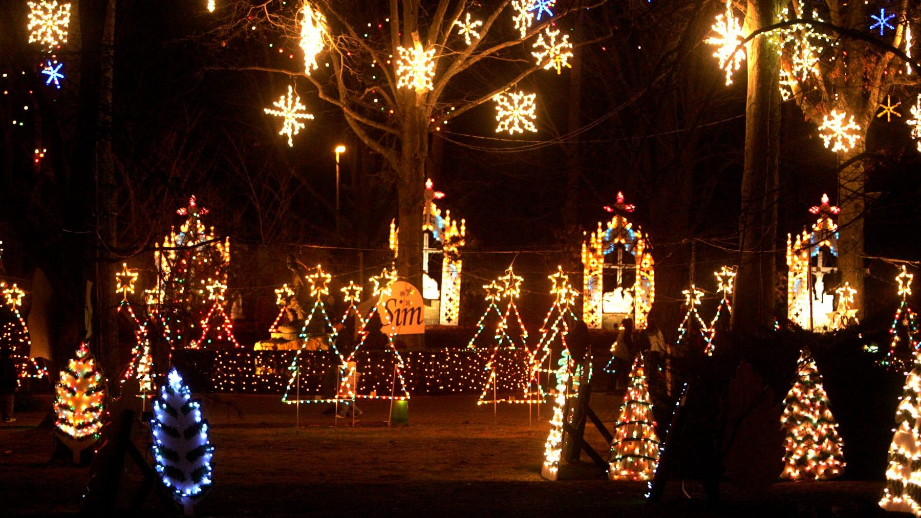 Christmas Events December 2021 And Holbrook Ma Covid Holiday Lights Shows In Massachusetts In 2020 Amid Coronavirus