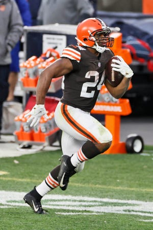 Cleveland Browns running back Nick Chubb gets big yardage against the Houston Texans on Sunday in Cleveland.