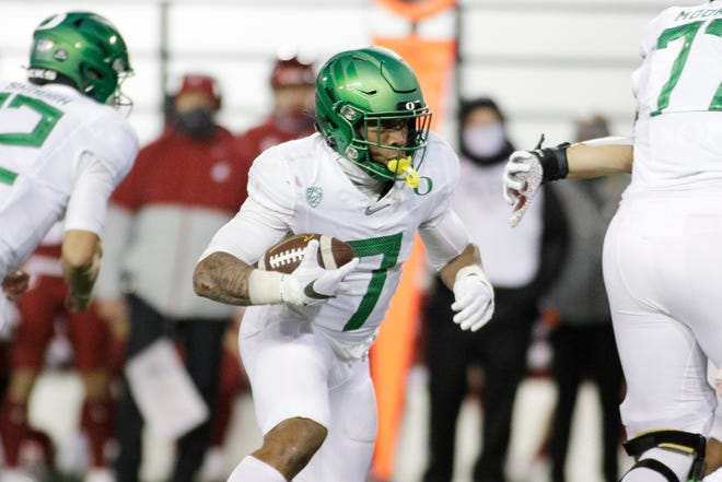 Oregon running back CJ Verdell hopes to bounce back from an injury that sidelined him for the second half of last week's loss at Oregon State.