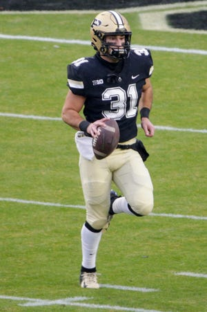 Purdue long snapper Nick Zecchino (31) warms up prior to a NCAA football game between the Purdue Boilermakers and the Northwestern Wildcats, Saturday, Nov. 14, 2020 at Ross-Ade Stadium in West Lafayette.