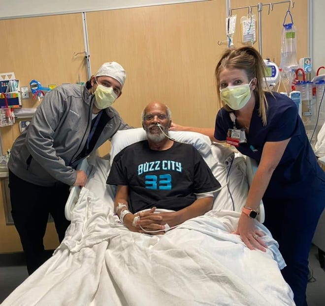 Darryl Williams was about to undergo a surgery for a double-lung transplant due to pulmonary fibrosis when he contracted COVID-19 in July.