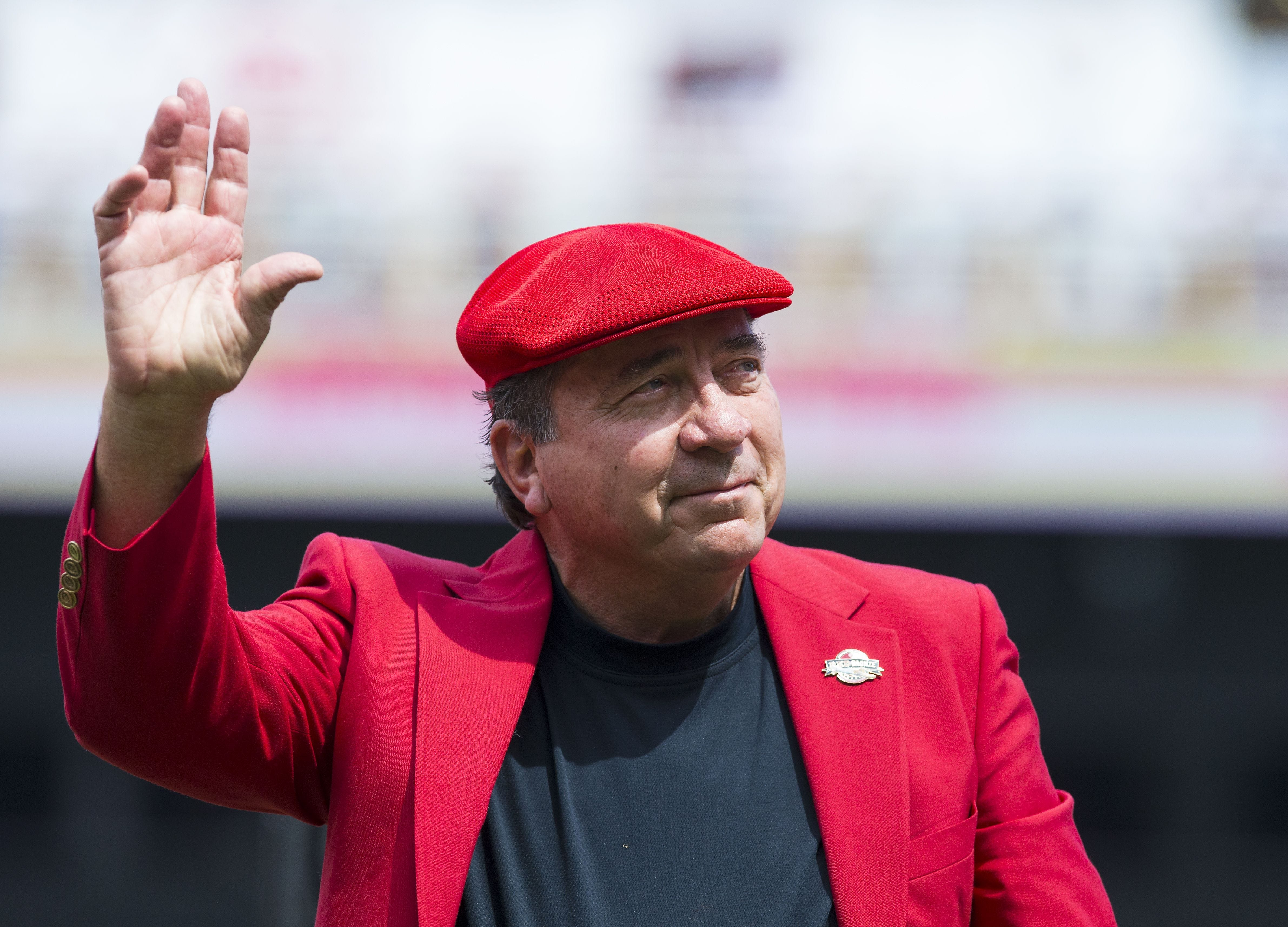Cincinnati Reds legend auctioned off memorabilia