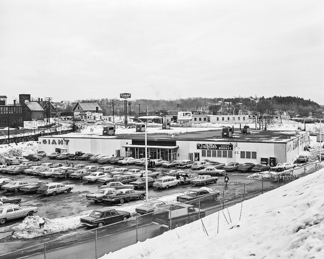 The Giant Store is shown when it was open around 1967 in Gardner.