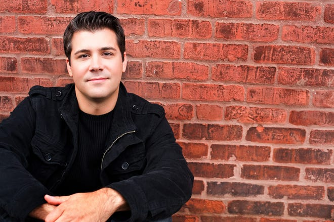 Tenor, Michael DiMucci performs at Linden Place