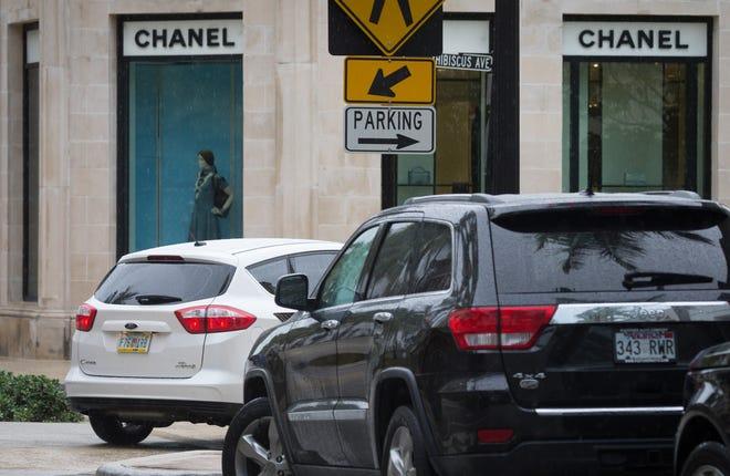 Parking on Worth Avenue in Palm Beach, Florida in June 2016. [Allen Eyestone / Daily News]