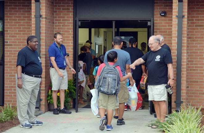 Craven County elementary school students will have the option of returning to in-person learning four days a week beginning January 7,2021. [TODD WETHERINGTON / SUN JOURNAL STAFF]