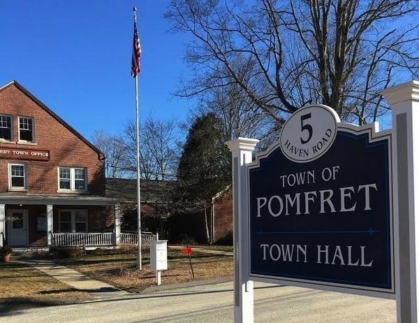 Pomfret Town Hall