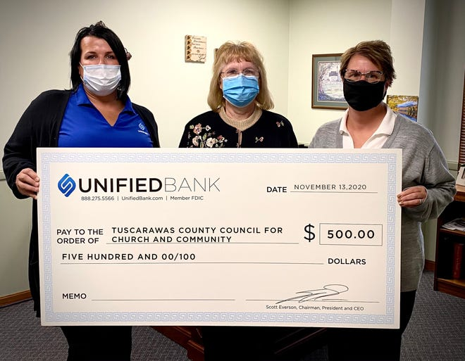 In addition to taking part in Share a Christmas gift giving Unified Bankrecently made a donation to T4C for the annual event. Stephanie Miller, Unified Retail Banking Executive (left), Louise Worsham, T4C Executive Director and Jody Clark, Unified Personal Banker are at the check presentation.