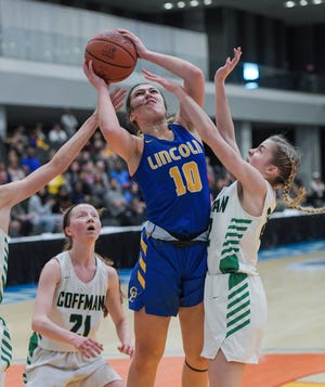 Junior Bella Ward is the top returnee for the Gahanna Lincoln girls basketball team, which lost four key players to graduation after going 20-7 and winning a Division I district title last season.