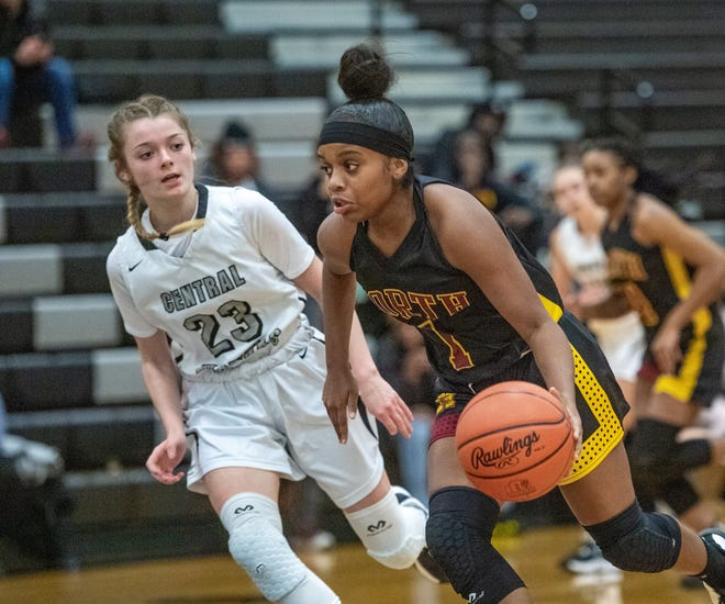 Sophomore guard Emoni Finch is one of the key returnees for the North girls basketball team and seventh-year coach Lamont Tillman. The Warriors are hoping to improve on last season's 19-6 finish.