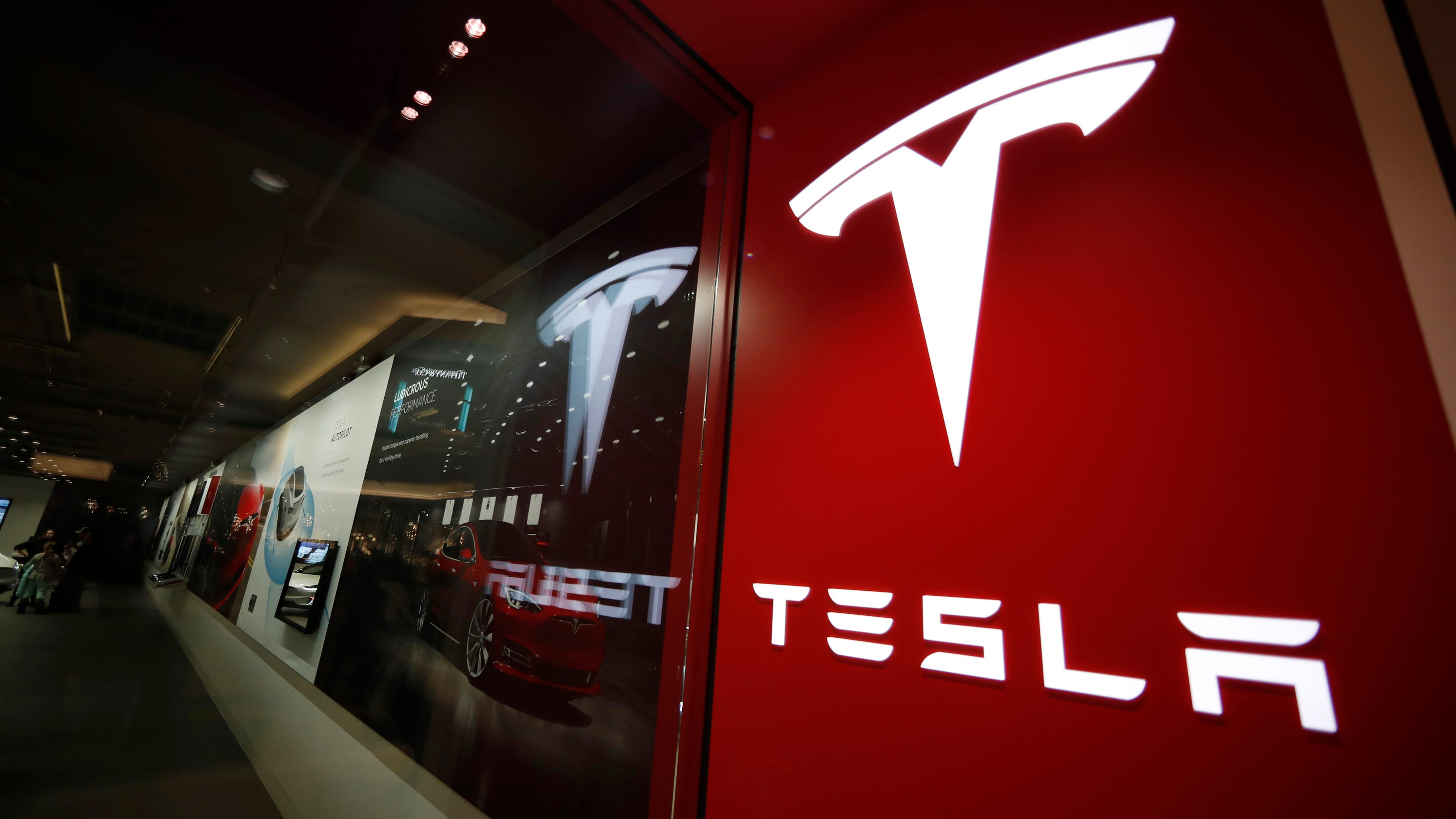 House approves bill letting Tesla sell, repair cars in Michigan