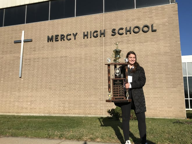 Mercy volleyball senior setter Julia Bishop was the recipient of 2020's Miss Volleyball award from the MIVCA.