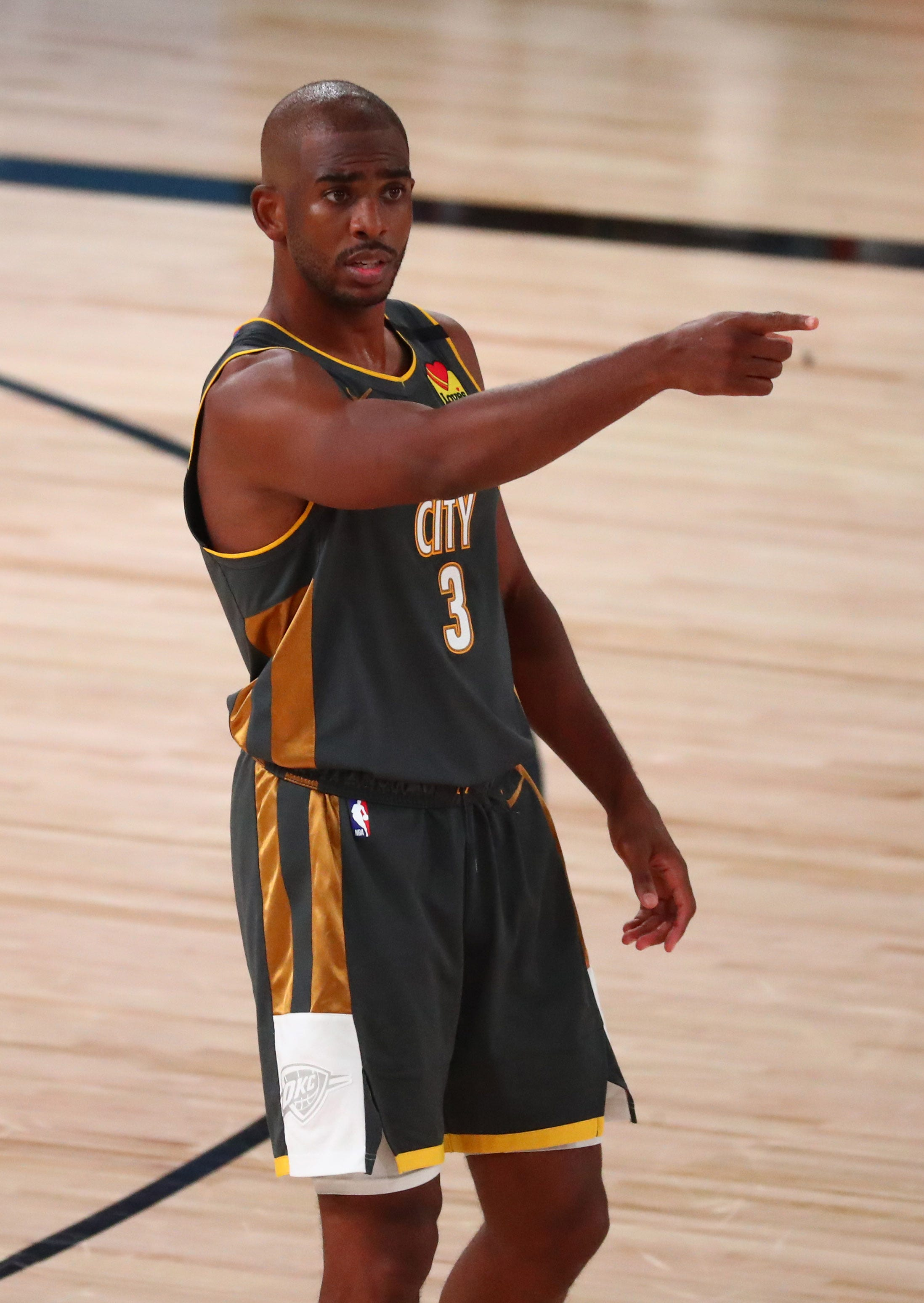 Thunder trade Chris Paul to Suns for four players, first-round pick